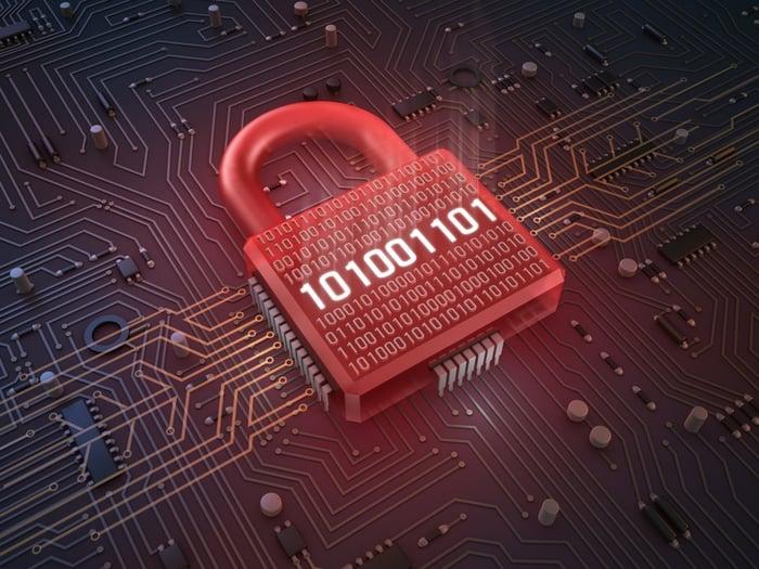 seguridad_de_los_datos_vs_gobierno.jpg